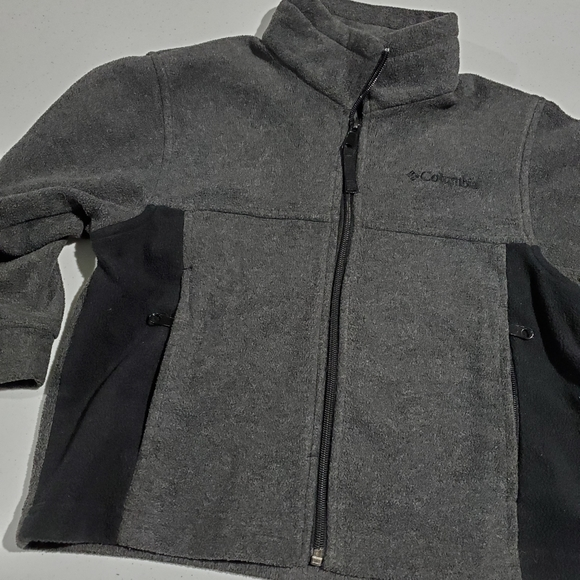 Columbia Other - Columbia boys 4/5 gray & Black fuzzy jacket